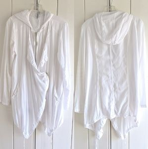 Summer weight white jacket from Miila